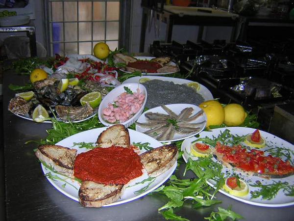 Ristorante vizi e sfizi roma piatti tipici della cucina for Piatti tipici roma